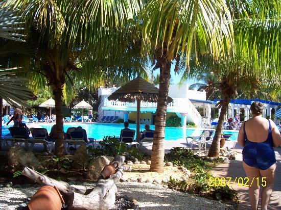 Melia Cayo Guillermo: The beach