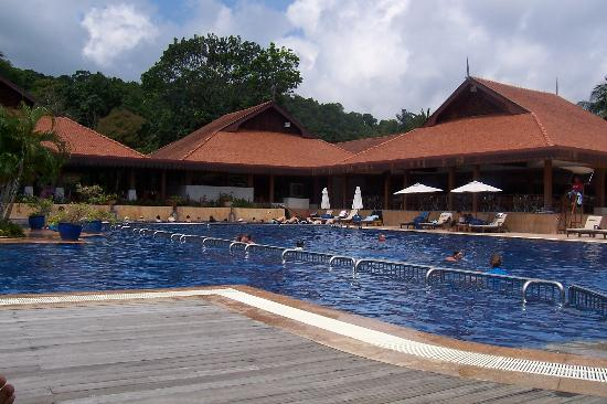 Club Med Cherating Beach : Swimming pool area