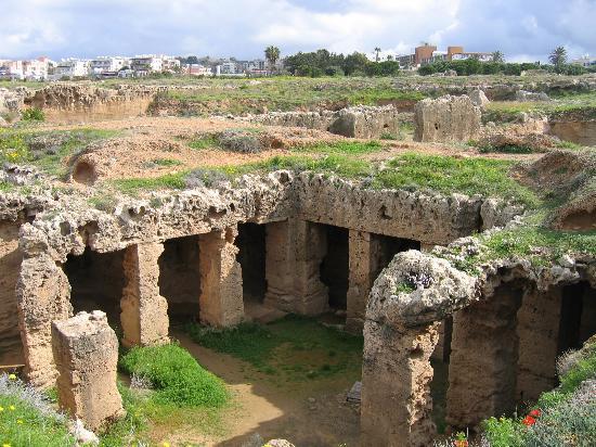 Tombe des rois : Oldest tomb?
