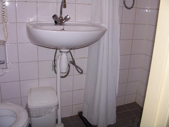 Hampshire Hotel Lancaster Amsterdam Smallest Bathroom Ever A Different View