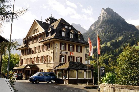 Bären Kiental Hotel: Another view of hotel from village