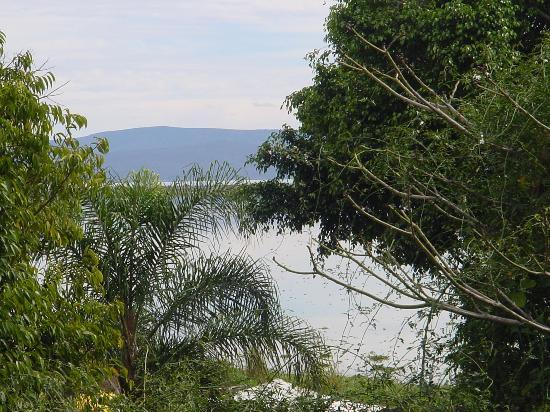 La Nueva Posada: Lake from room window