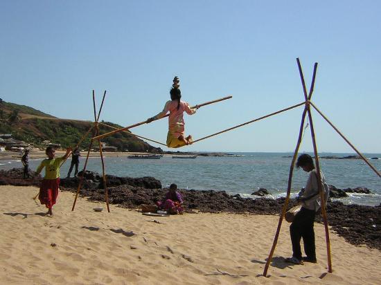 Alidia Beach Cottages: Beach Entertainment Anjuna