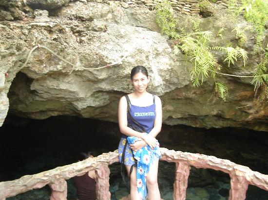 Ogtong Cave Resort: entrance to Ogtong cave