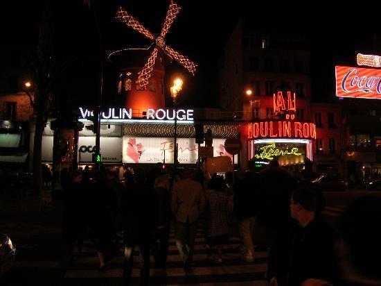 Mercure Paris Montmartre Sacre Coeur : Moulin Rouge
