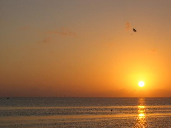 Isla del Padre Sur, TX: Sunset on the Bay