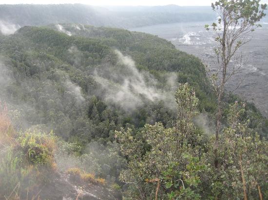 Kilauea Volcano Military Camp: Morning walk