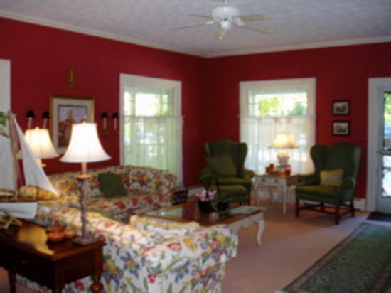 Inn at Grey Gables: Main Room at Grey Gables