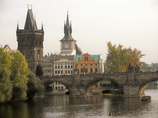 The charles bridge prague picture of prague bohemia for Charles hotel prague