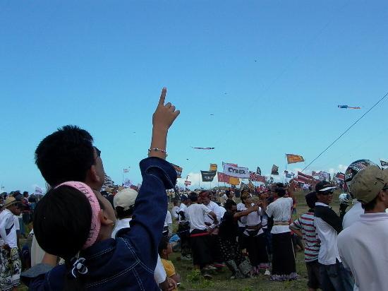 Sanur, Indonesia: watching kite day