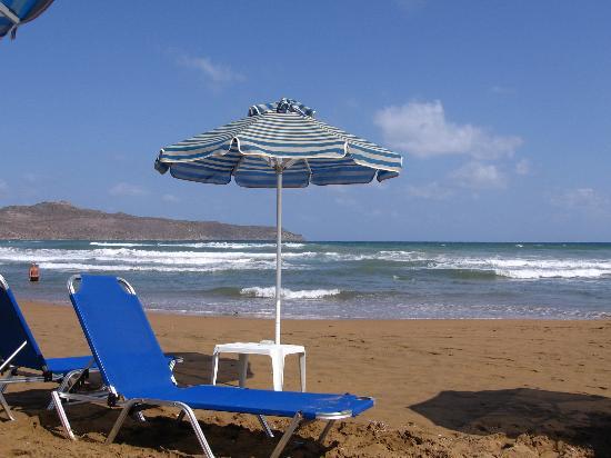 Santa Marina Hotel: the beach
