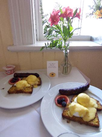 Bayfield, Canada: Hearty Breakfast