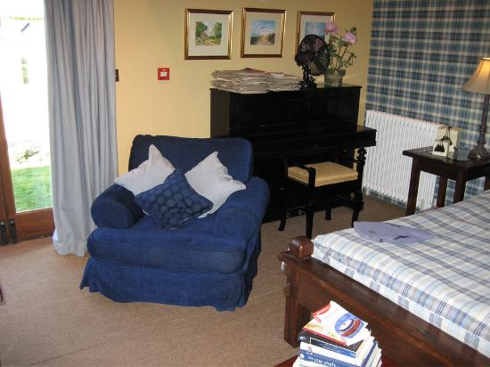 The Star Inn: The piano in Room 8