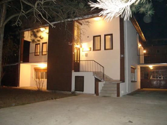 Hotel Vila Silia: Front