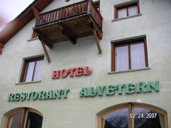 Schorta's Hotel Alvetern Photo