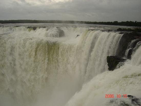 Hotel Carmen Iguazu: La Garganta del Diablo desde el mirador Argentino