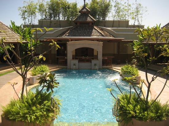 Shangri-La's Mactan Resort & Spa: Spa (it's bigger than just this part)