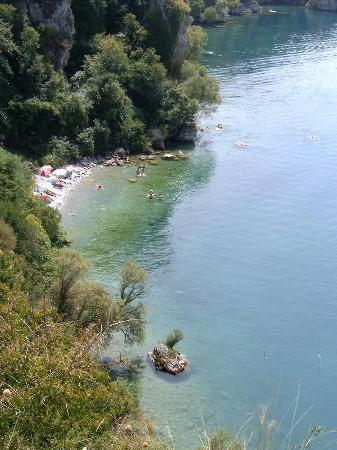 Ohrid, Republika Macedonii: wild beach near camping Gradiste