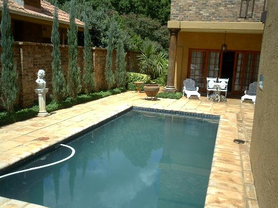 Ma Cachette B&B: The Pool