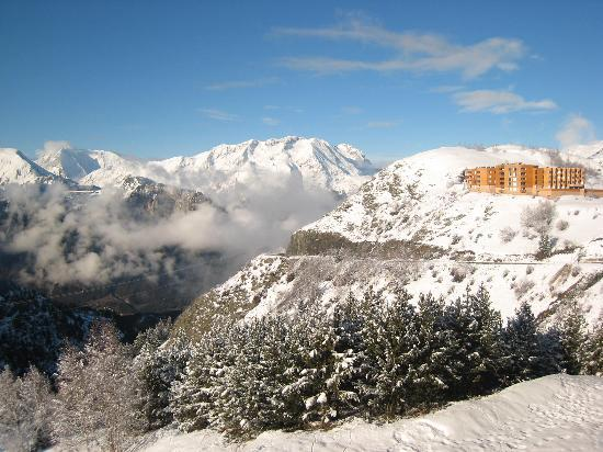 L'Alpe-d'Huez, ฝรั่งเศส: Another view from apartment