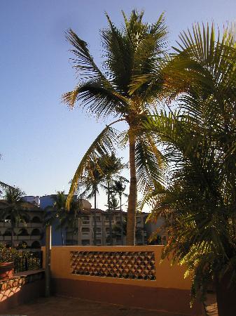 فيلاز فالارتا باي كانتو ديل سول: Balcony at Villas Vallarta