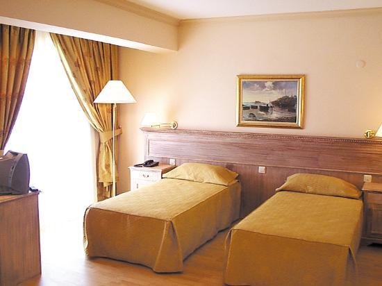Hotel Sun Club : rooms