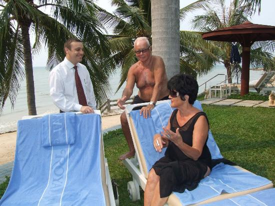Royal Wing Suites & Spa: Me and Ulla chatting with the hotel manager Mr. Marcel beside the Royal Wing Pool