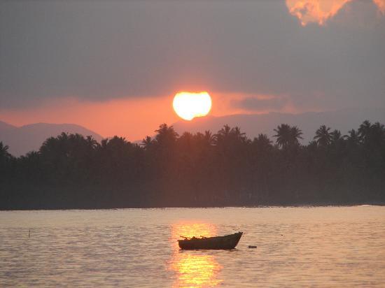 Péninsule de Samaná, République dominicaine : Sunrise at Gran Bahia El Portillo