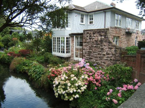 Anselm House Bild