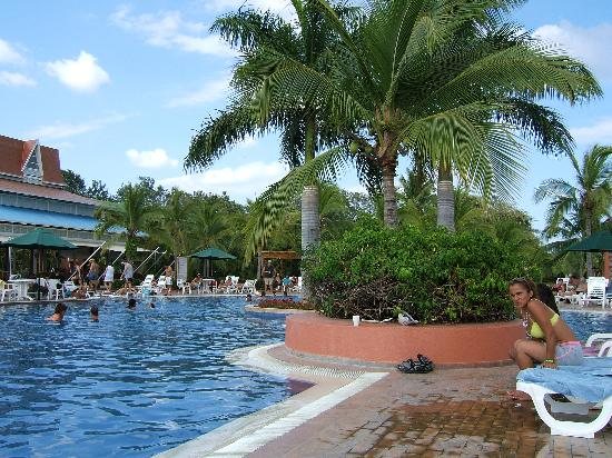Atlantis pool picture of royal decameron beach resort for Atlantis pools