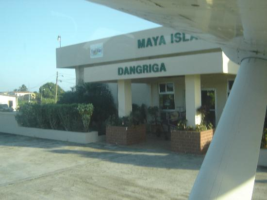Hamanasi Adventure and Dive Resort: Dangriga international airport