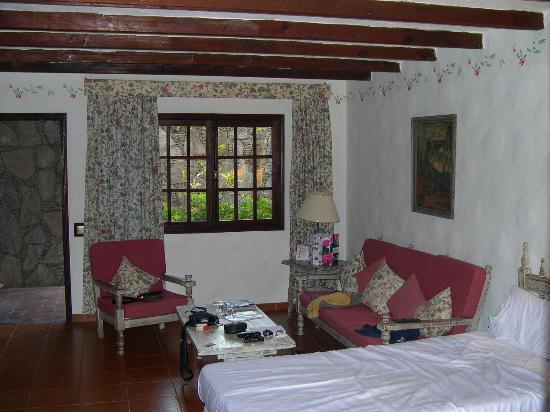 Hotel Parque Tropical : la chambre