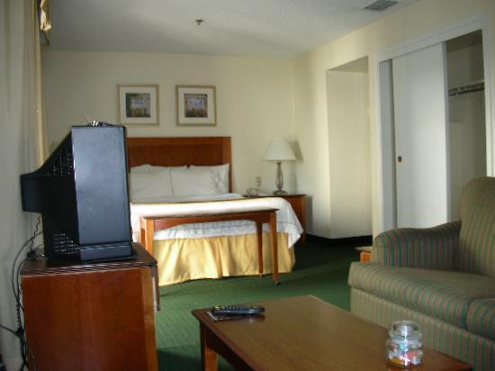 Residence Inn Sacramento Cal Expo: Comfy Bed