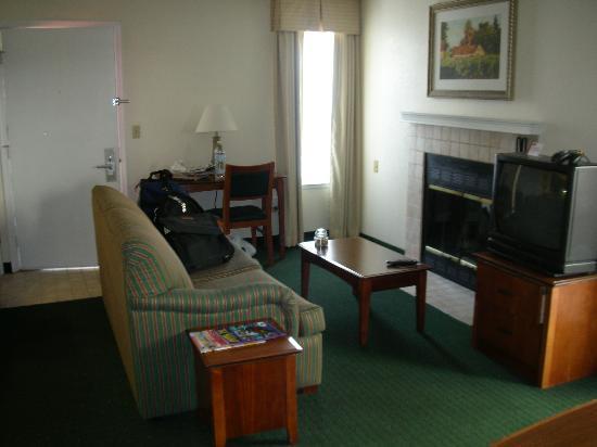 Residence Inn Sacramento Cal Expo: Living Area