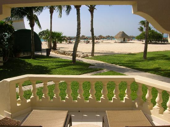 Bucuti & Tara Beach Resort Aruba : View from our Bungalo Room