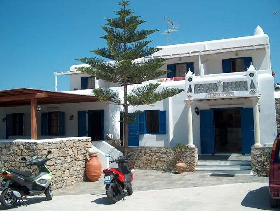 Mykonos Essence Hotel: Veduta esterna hotel di lato