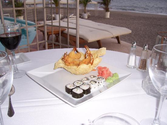 Casa Velas: tempura shrimp appetizer @ beach club