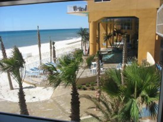 Splash Resort Condominiums: Splash Beach