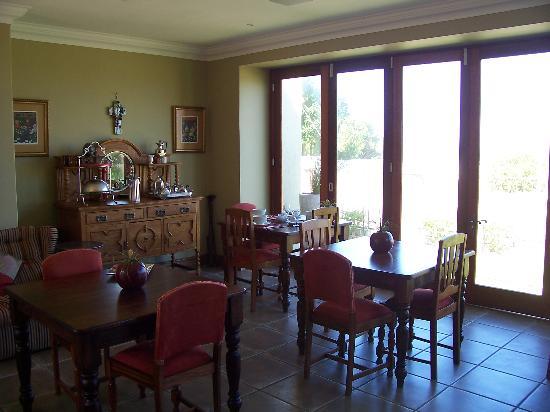Harbour Vue Guest House: Breakfast Room