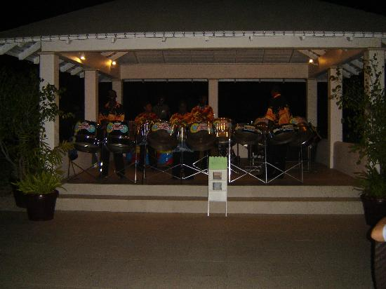 Spice Island Beach Resort: Steel band entertainment