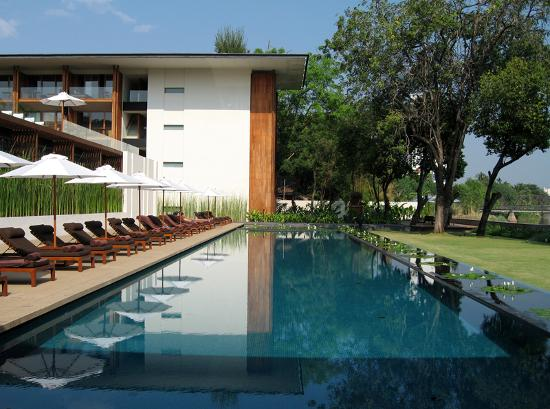 Anantara Chiang Mai Resort: Chedi Swimming Pool