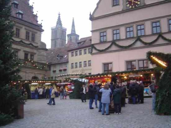 Roter Hahn Rothenburg: Christmas Market