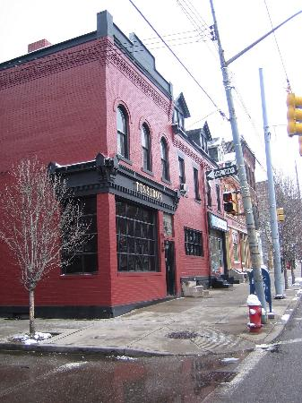 Photo of American Restaurant Tessaro's at 4601 Liberty Ave, Pittsburgh, PA 15224, United States