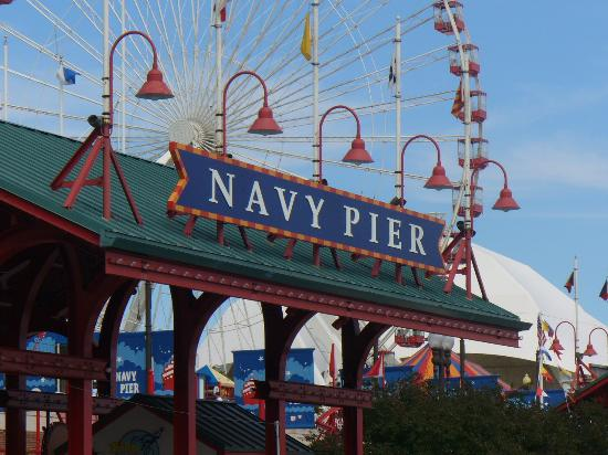 Embassy Suites by Hilton Chicago Downtown: Navy Pier