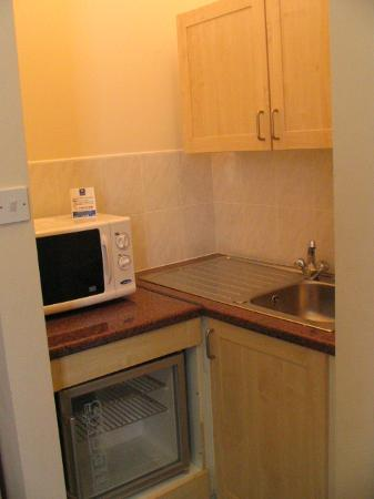 Comfort Inn and Suites King's Cross / St. Pancras : kitchenette