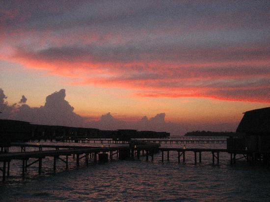 Cocoa Island by COMO : dusk