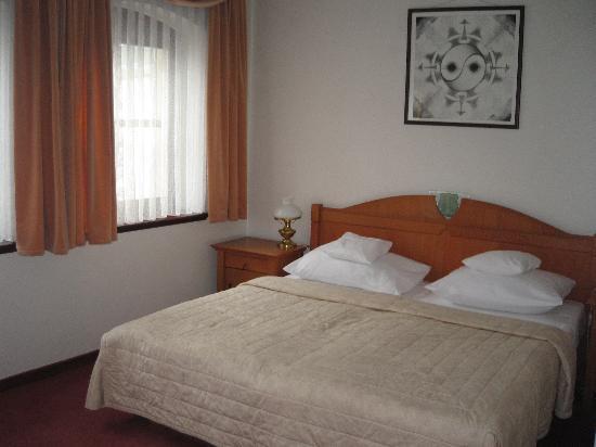 Art Hotel: Apartment bedroom