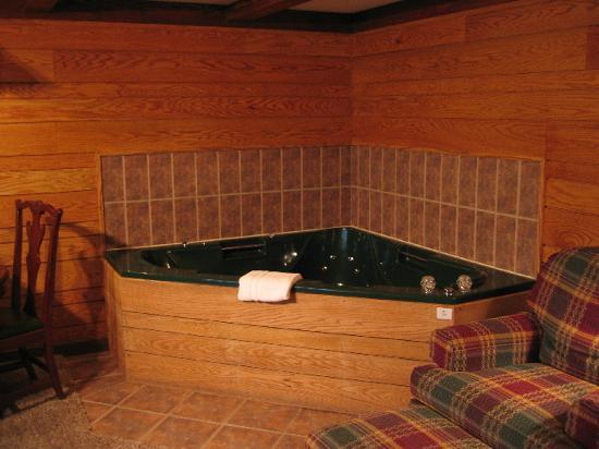 Riverhouse Motels : Jacuzzi Tub