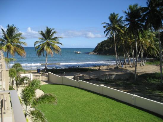Hotel Lucia Beach Villas: The view of the ocean from our private balcony