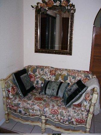 Grace\u0027s Secret Garden B\u0026B: Reading area in bedroom & Posing horse - Picture of Grace\u0027s Secret Garden B\u0026B Sedona ...